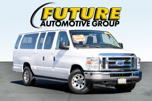 Pre-Owned 2012 Ford Econoline Wagon XLT