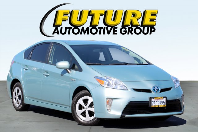 Pre-Owned 2015 Toyota Prius 5D Hatchback