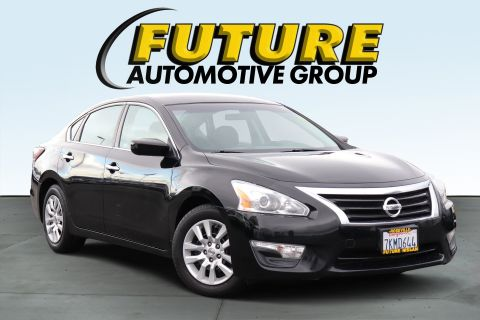 Pre-Owned 2015 Nissan Altima Sedan